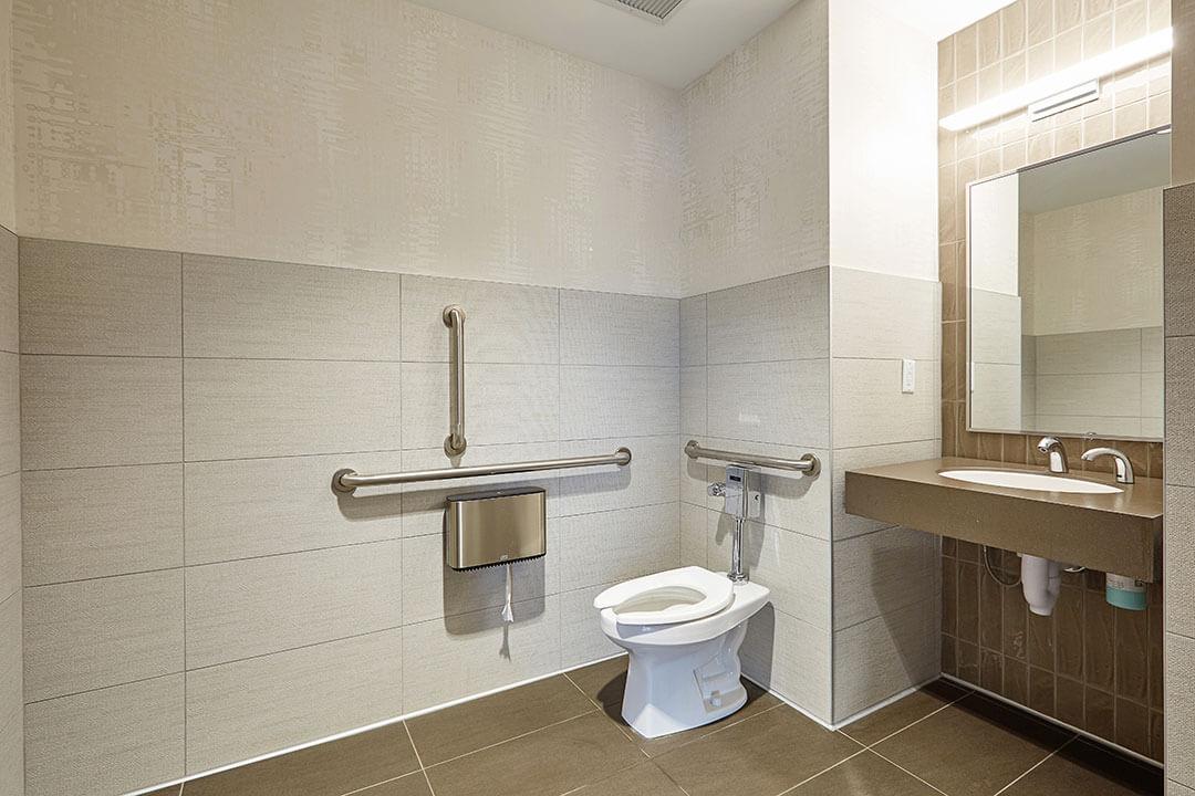 Maple grove medical building bathroom mohagen hansen
