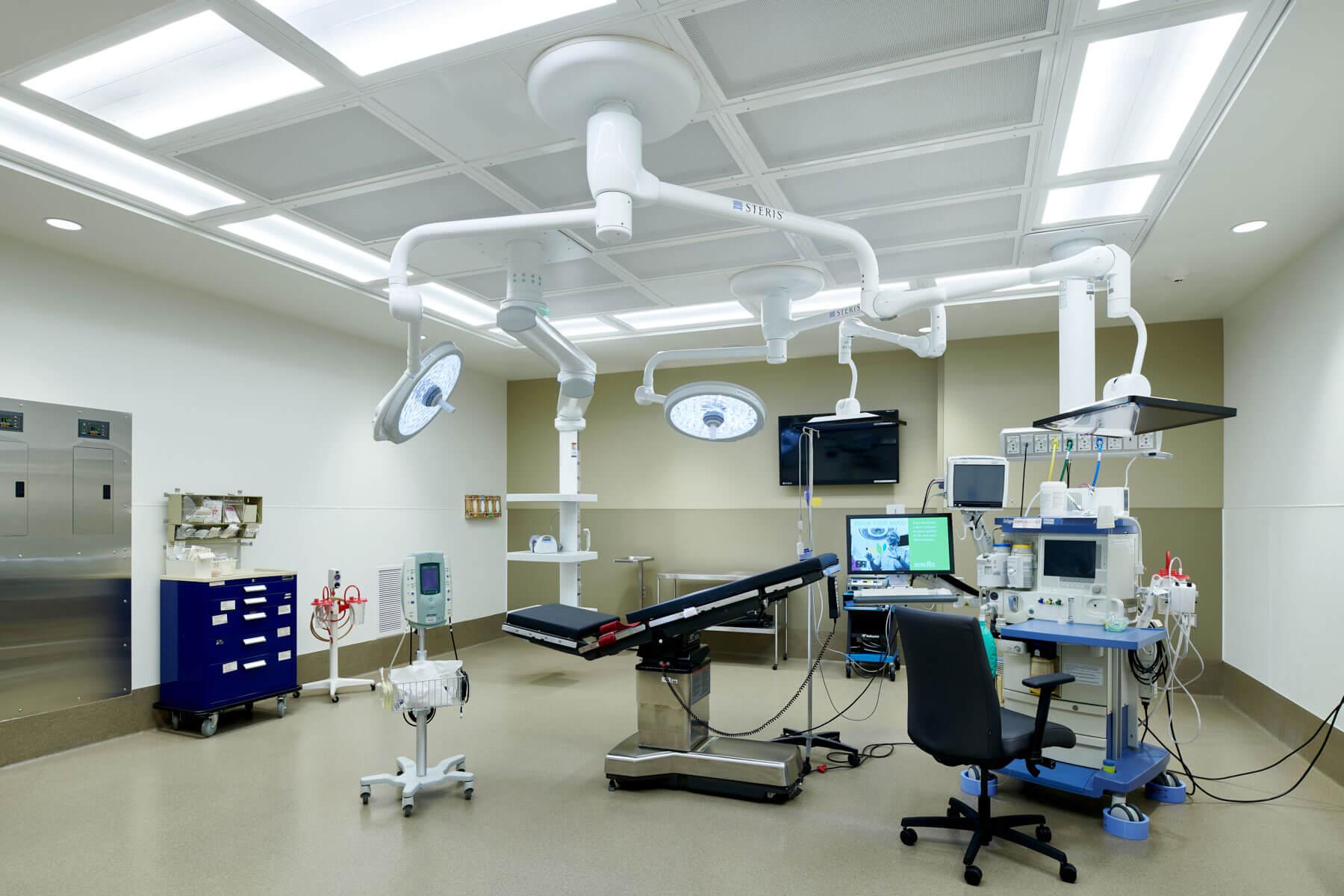 180815-Willmar_Surgery-005-S