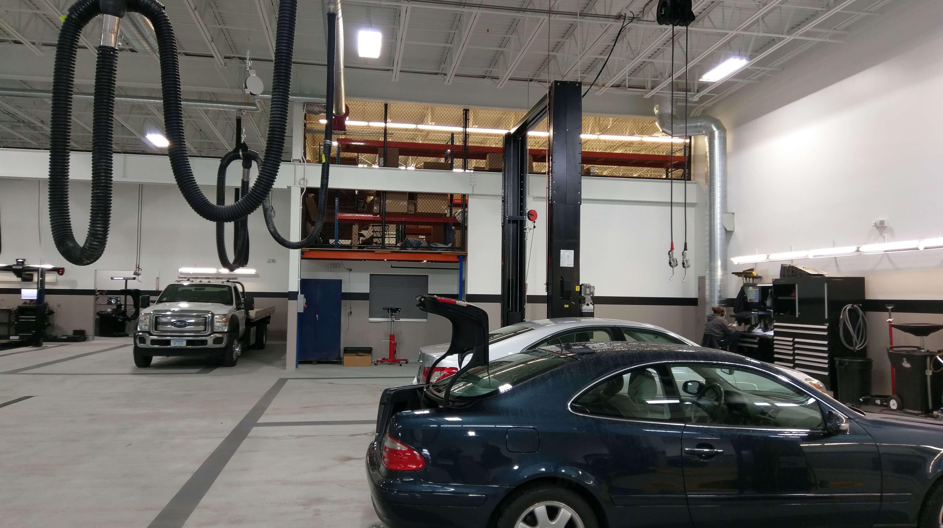 mercedes-benz metris service center